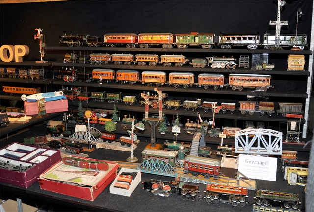 Selling vintage toy trains