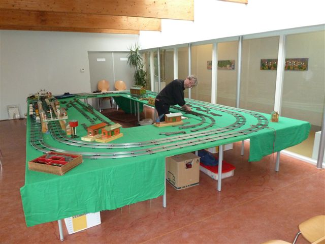 Building a Hornby O gauge layout