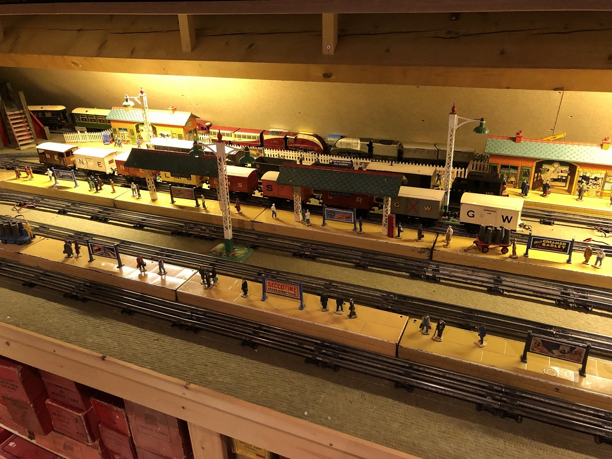 Hornby O-gauge Station Area