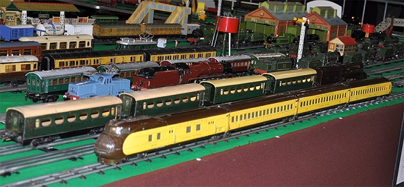 Lionel City of Portland with French Hornby Etoile du Nord