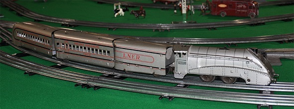 LMC 5700 Pannier Tank with R Models coaches